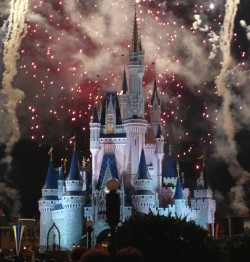 Exploring the Disney World Parks with Tweens and Older Kids