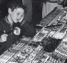 Calling all Candy Lovers: Sweet Home Chicago Exhibition Looks at Chicago's Candied Past.