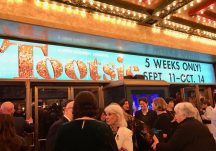 Tootsie rolls into Chicago for its pre-Broadway run