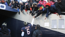 Bears' quarterback Jay Cutler makes a mean pizza pie