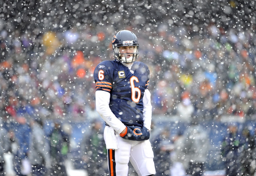 Bears Cutler stands on field in Chicago against Seahawks