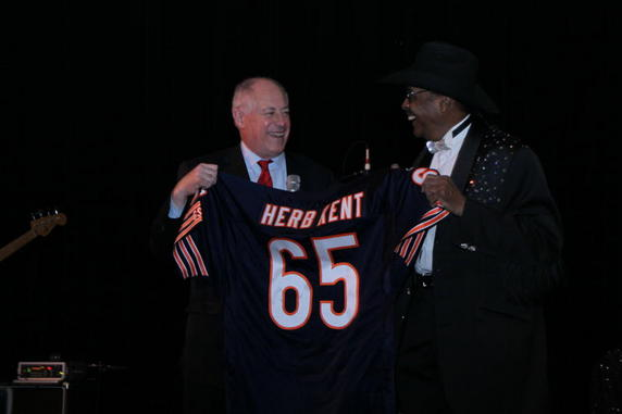 Gov. Quinn presenting Kent with special Bears Jersey -65
