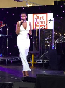 Jennifer Hudson performing at Art Van's largest store opening in Lombard.