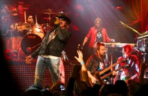 "Guns N' Roses Concert Review - ""Up Close and Personal Tour,"" Live at House of Blues Chicago - Sunday, 2/19/12 (With Setlist)"