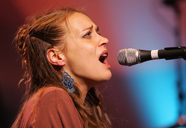 Concert Review: Fiona Apple Live in Chicago - Sunday, 3/18/12 at Lincoln Hall (With Setlist)