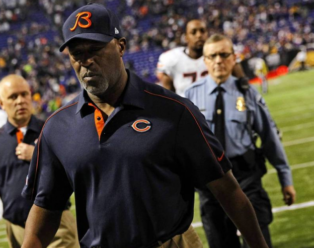 Are Bears fans rooting for Lovie to fail?