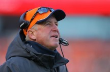 Chicago Bears hire John Fox as head coach