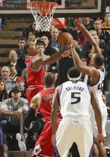 Bulls outrun the Kings in easy victory