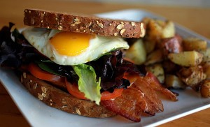 ct-dining-memorable-breakfast-sandwiches-009