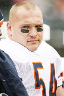 The Chicago Bears and Brian Urlacher: to re-sign, or not to re-resign?