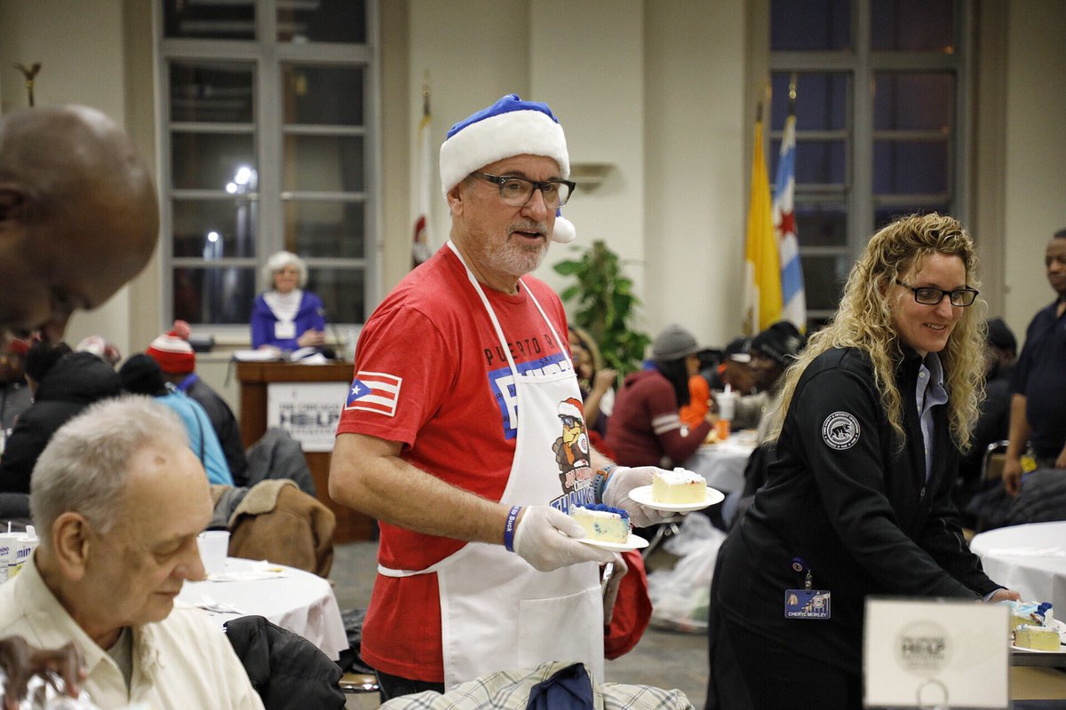 Chicago Cubs manager Joe Maddon helps the homeless community again