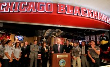 Chicago Blackhawks: 10 Great Spots For Watching the Playoffs