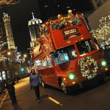 Holiday Lights Tour Chicago: See the City's Holiday Lights and Sights via Trolley