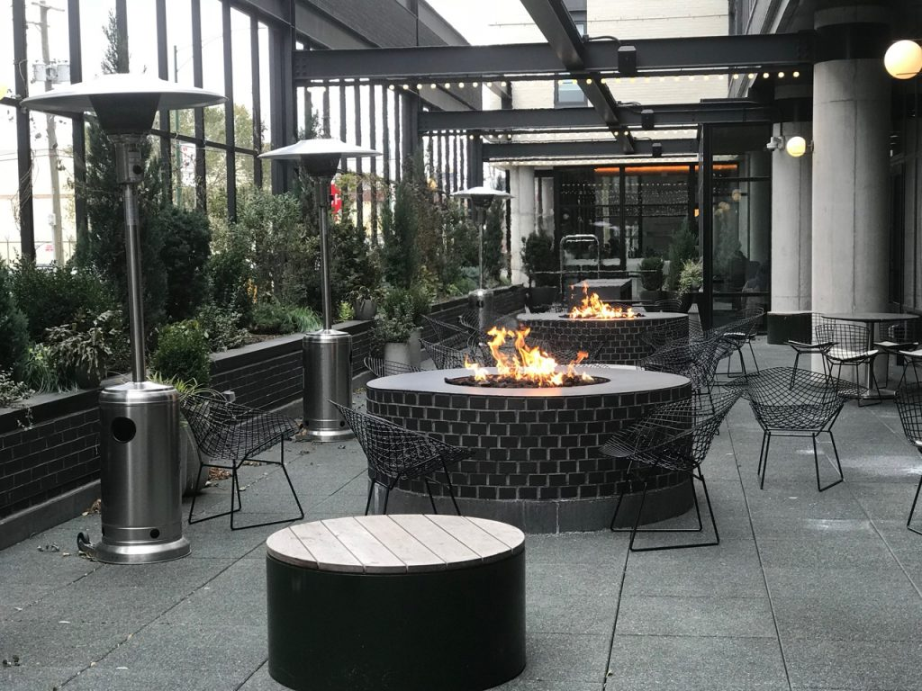 Outdoor patio, City Mouse at Ace Hotel. Photo: Carole Kuhrt-Brewer